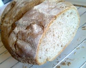 Prosty chleb wiejski na zakwasie i drożdżach - drugi ,zrobiony po tygodniu, troche więcej mąki żytniej