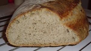 Prosty chleb wiejski na zakwasie i drożdżach